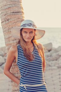 Jana im Sommerkleid