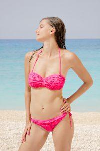 Jana im rosa Bikini